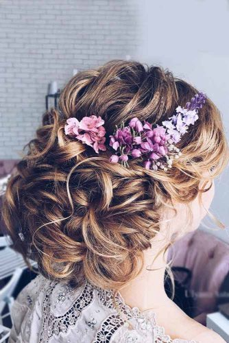Add Some Flowers to Your Hairdos picture1