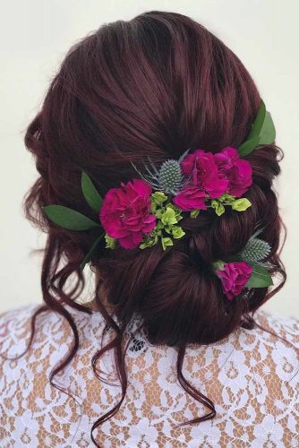 Add Some Flowers to Your Hairdos picture3