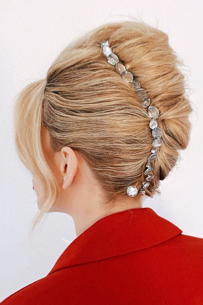 How To Style – Updo Long HairstylesHow To Style – Updo Long Hairstyles