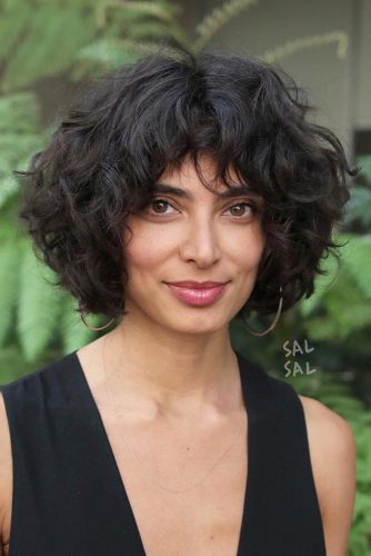 Brunette Curly Bob With Bangs #shorthaircuts #bobhaircuts #bobwithbangs #curlyhair