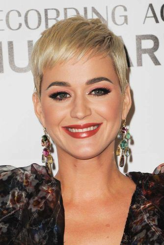 26 Blonde Pixie Haircuts Looks Like Katy Perry