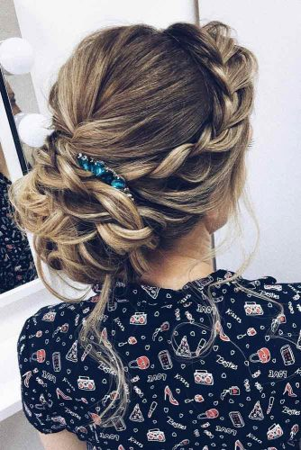 Side Braided Bun Romantic Style picture 2