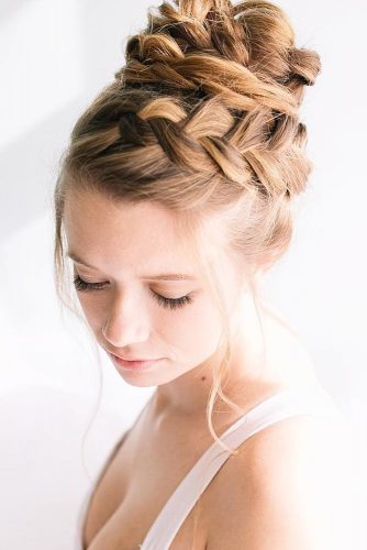 Gorgeous Headband Braid Hairdo picture 3