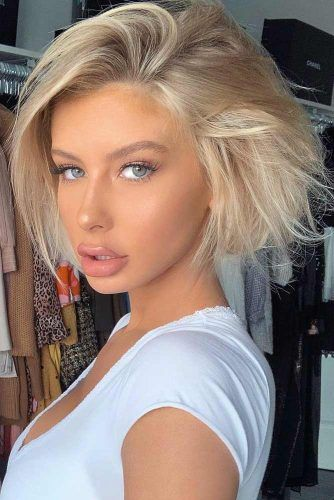 Voluminous Straight Blonde Bob #hairstyles #shorthairstyles #blondehair