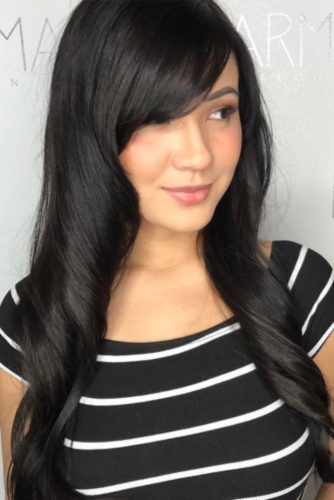 Side Swept Bangs for Round Face picture3