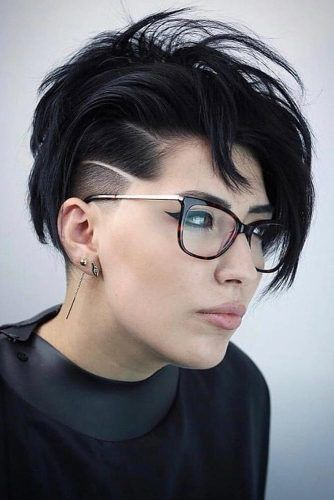 Textured Long Pixie With Shaved Side #pixiecut #haircuts #longpixie #shorthair