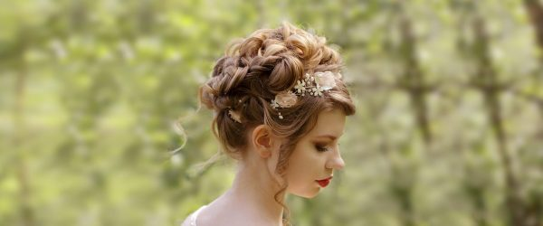 18 Stylish And Cute Homecoming Hairstyles