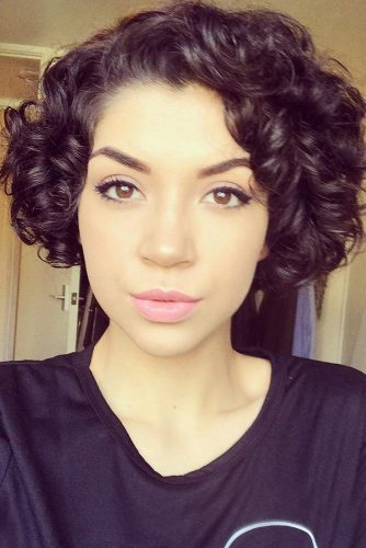 Cute Short Hairstyles with Bangs picture2