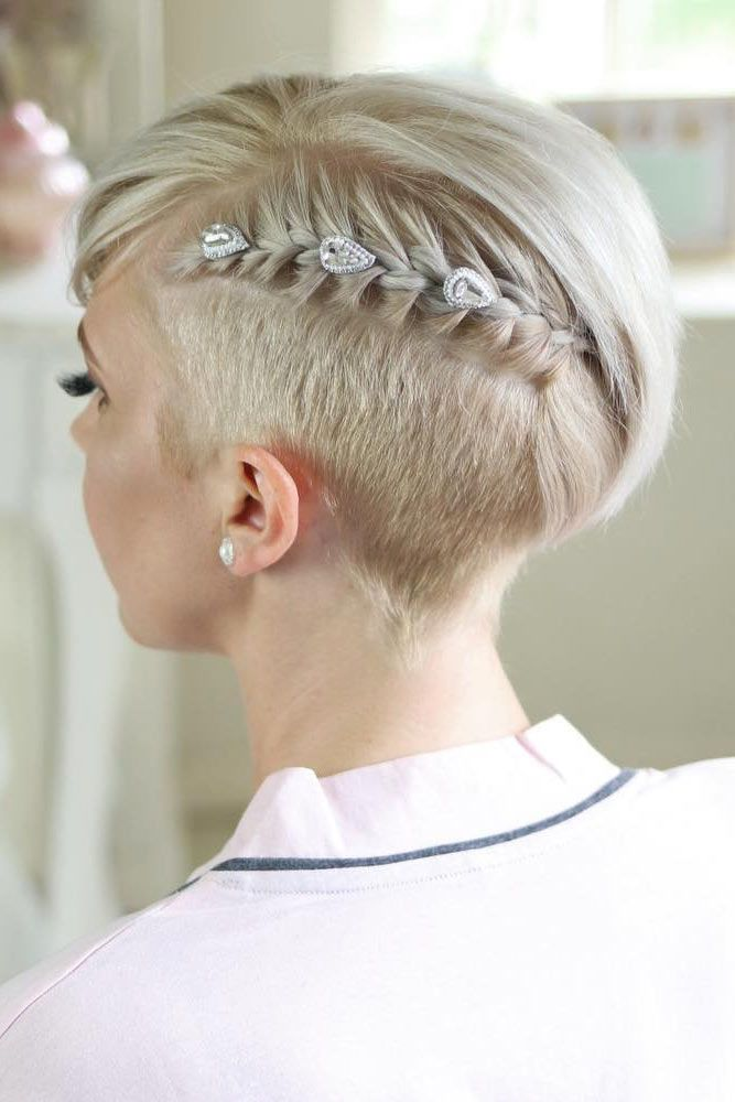 Braided Short Hairstyles With Accessories #shorthaircuts #shorthairstyles #shorthair