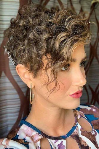 Short Hairstyles For Curly Hair #shorthaircuts #shorthairstyles #shorthair