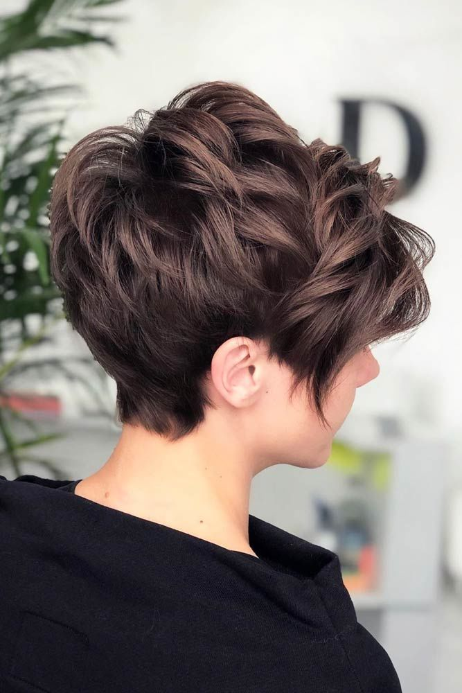Voluminous Pixie With Wavy Texture #shorthaircuts #shorthairstyles #shorthair
