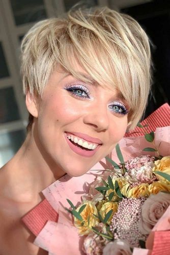 Blonde Short Layered Hairstyles For A Fresh Look #shorthaircuts #shorthairstyles #pixiehaircut