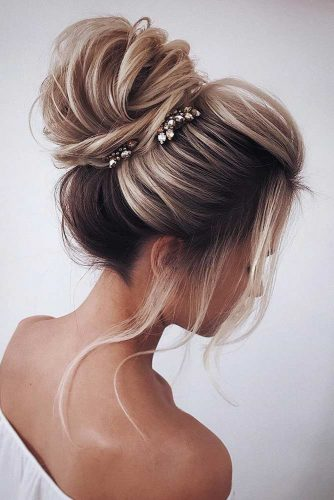 Long Hairstyles with Bun picture1