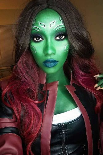 Gamora Halloween Look And Burgundy Ombre #ombrehair #halloween #hairstyles #halloweenmakeup #gamora