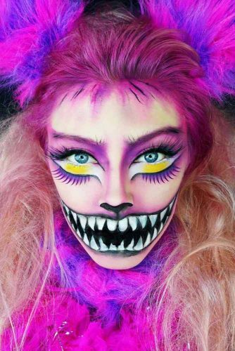 Cheshire Cat With Pink Ombre #ombrehair #halloween #hairstyles #halloweenmakeup #cheshirecat