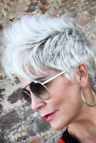 Amazing Look with Ice Blonde Pixie