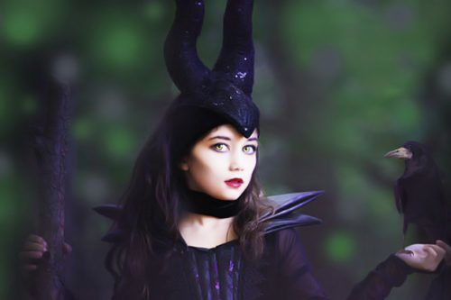 Cool and Horror Halloween Hairstyles for Girls