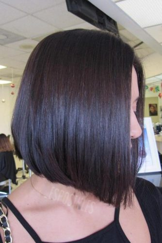 Solid Chocolate Color and Blunt Cut