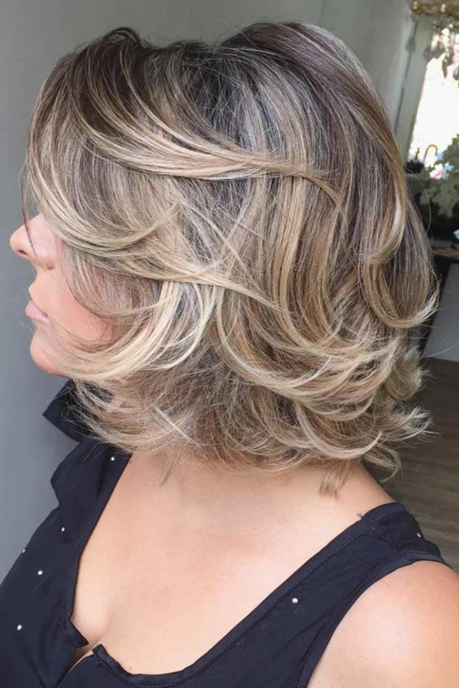 Wavy Bob Haircuts #hairstylesforwomenover40 #olderwomenhairstyles