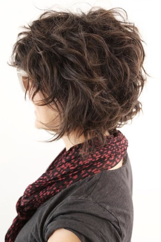 Layered Curly Bob Hairstyles For Women Over 40 #hairstylesforwomenover40 #olderwomenhairstyles