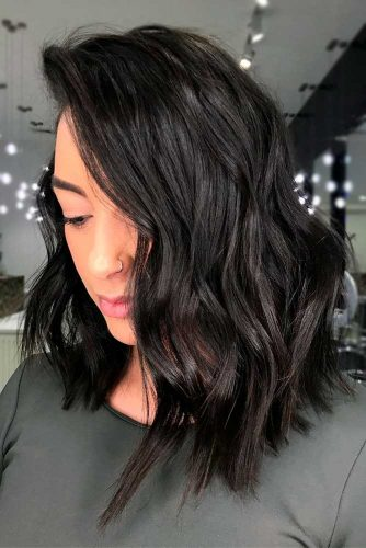 Ideas to Style Your Wavy Bob picture3