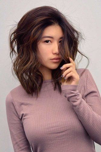 Ideas to Style Your Wavy Bob picture1
