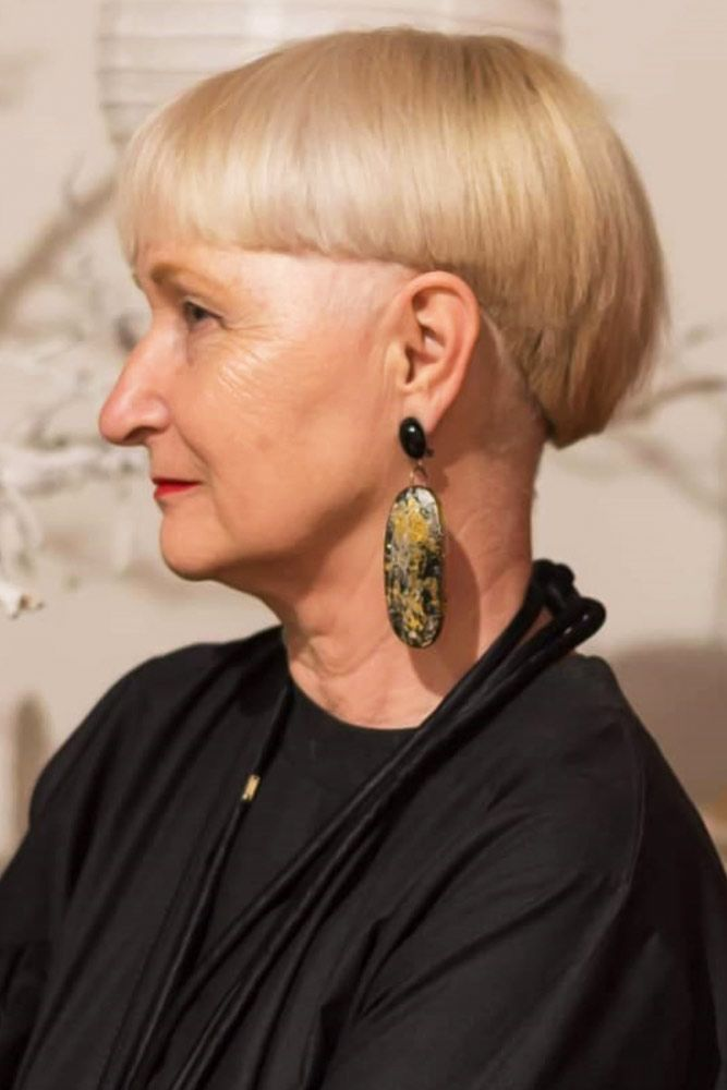 Modern And Swanky Bowl Cut #hairstylesforwomenover50 #hairstylesforwomenover60