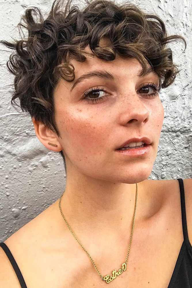 Shaggy Curly Pixie Cut #curlypixiecut #pixiecut #haircuts #hairtypes #shorthair