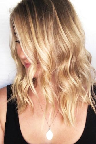Brunette Hair With Caramel Blonde Highlights #blondehair #wavyhair #highlights