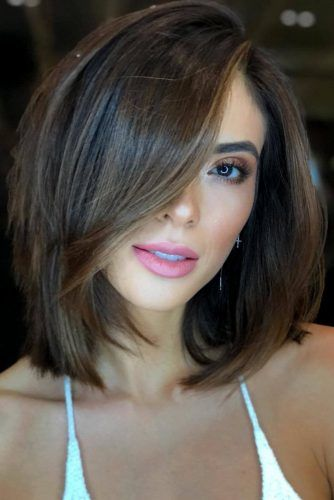 Sleek Long Bob Haircut With Side Swept Bang #lobhaircut #haircuts #bobhaircut