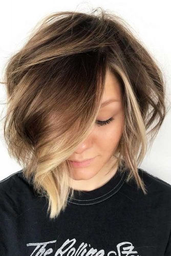 Short Stacked Bob Hairstyles #shortbobhairstyles #bobhairstyles #hairstyles #haircuts #blondehighlights
