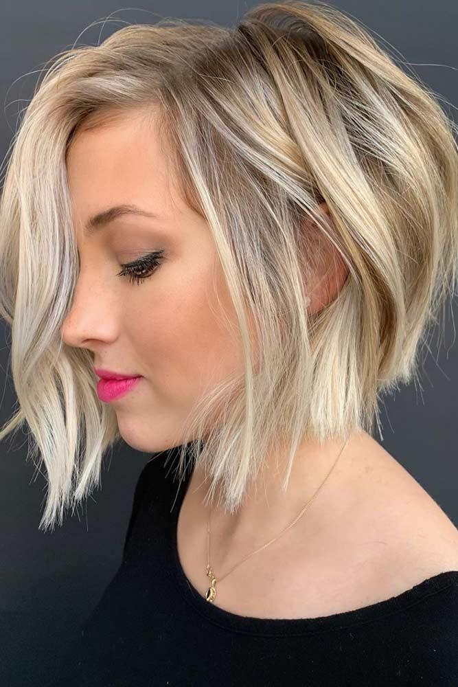 Blunt Side Parted Blonde Bob #shortbobhairstyles #bobhairstyles #hairstyles