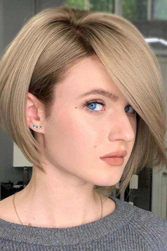 Dark Blonde Straight Bob With Side Part #shortbobhairstyles #bobhairstyles #hairstyles