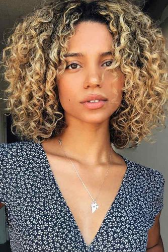 Curly Medium Bob Hairstyles picture2