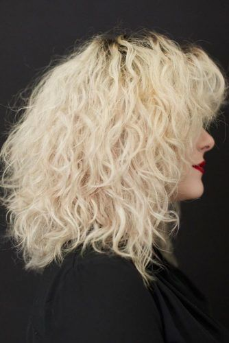 Messy And Effortless Medium Curls Textured Body