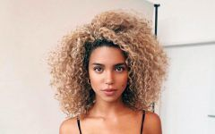 Easy Styles For Short Curly Hair To Attract Attention