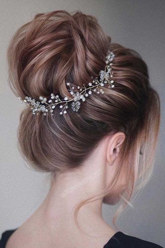 Updo Hairstyles with Bun picture3