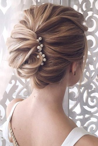 French Twist Updo picture