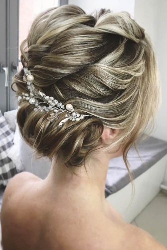 French Twist Updo picture1