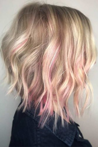 Curly Blonde Bob Haircut with Pink Highlights #bobhaircut #invertedbob #layeredhair #pinkhighlights