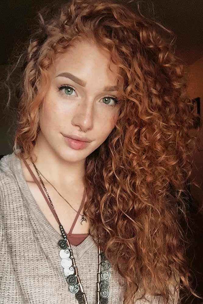 Long Side Swept Hair Auburn #curlyhair #curlyhairstyles