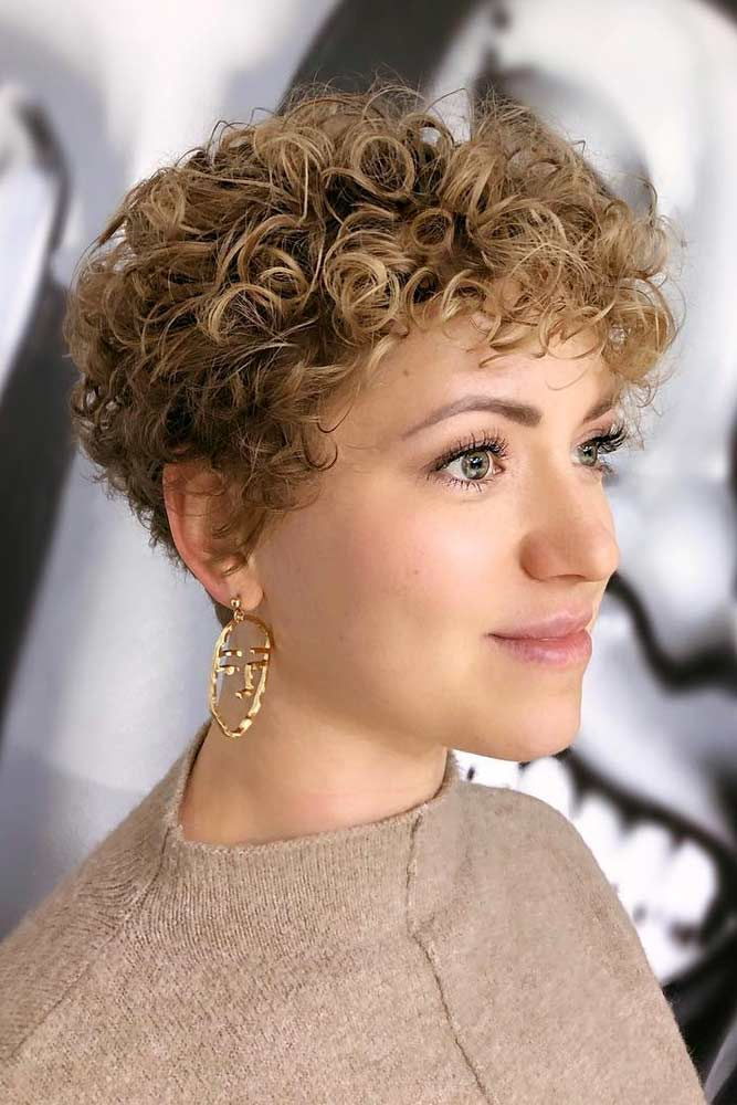 Messy Pixie Haircut Blonde #curlyhair #curlyhairstyles