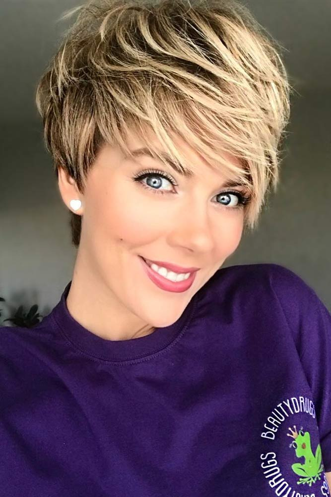 Blonde Pixie With Bangs picture1