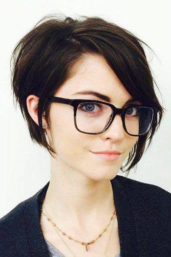 Short Hair With Long Bangs #shorthair #shortbangs #pixiehaircut #straighthair