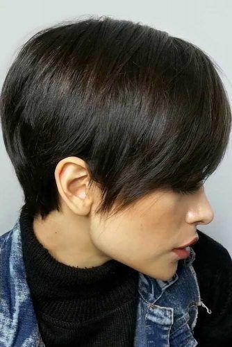 Brunette Pixie Haircut #shorthaircuts #roundfaces #haircuts #pixiecut