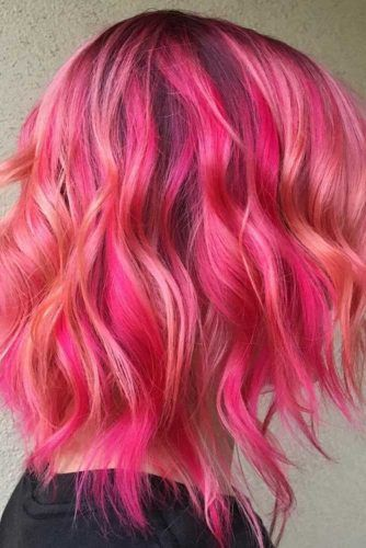 Pink Messy Layered Hair #shoulderlengthhair #layeredhaircuts #mediumhair #haircuts