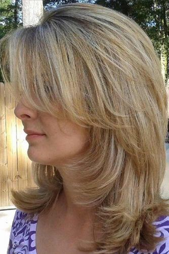 Straight Shoulder Length Haircuts With Bangs #shoulderlengthhair #layeredhaircuts #mediumhair #haircuts