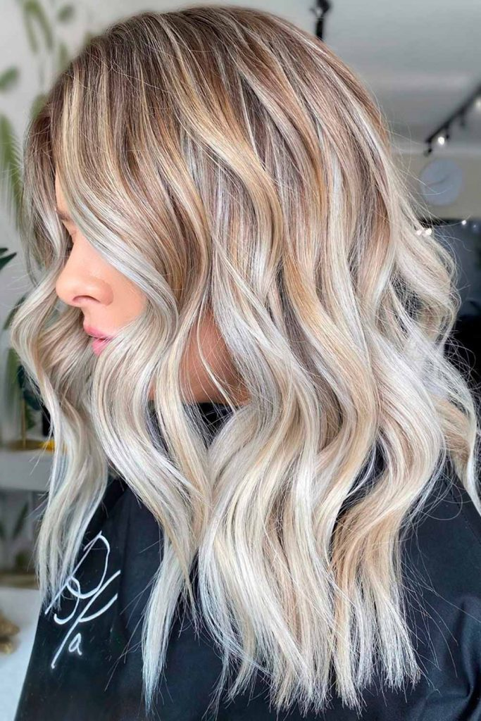 Stylish Look With Ash Blonde Highlights