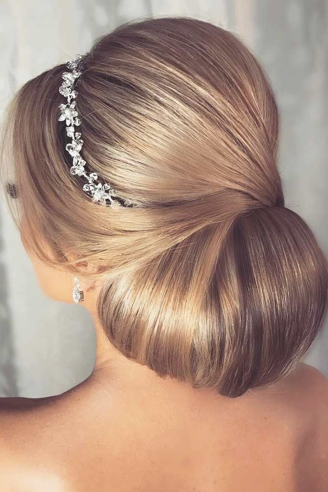 Accessorized Chignon picture3