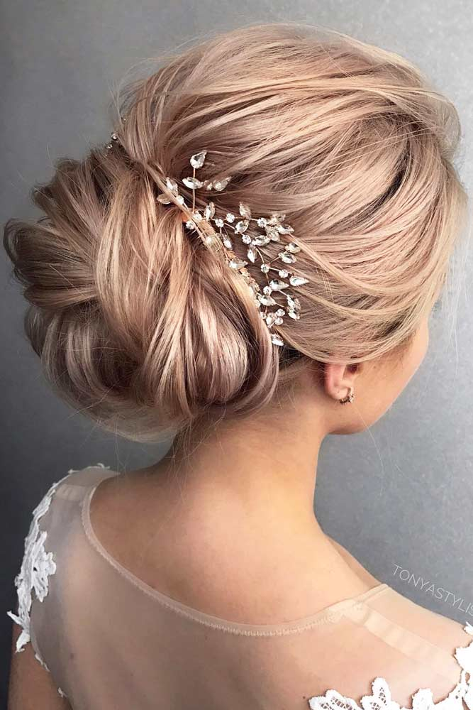 Accessorized Chignon picture1